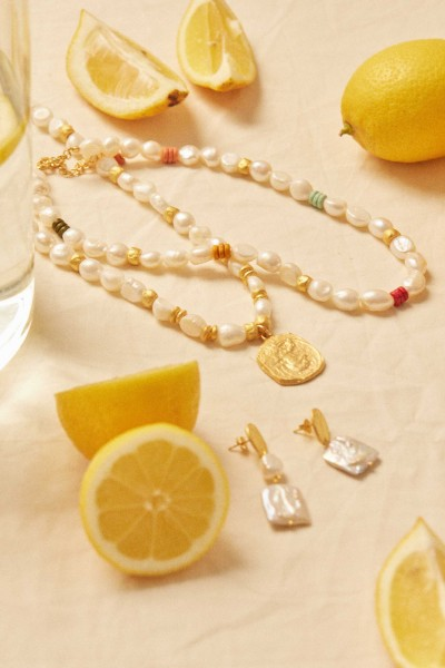 Carnival Pearls Necklace